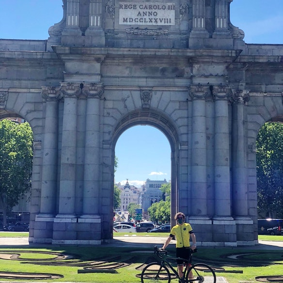 Madrid - Brussels by bike Giorgio Fouarge with the support of IE University